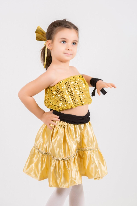 altın-büstiyerli-dans-kostumu