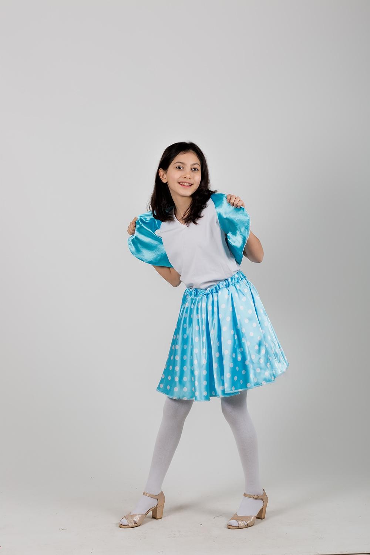 grease-mavi-dans-kostumu.