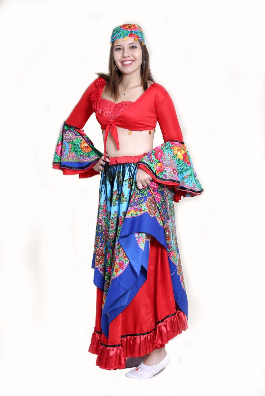 kırmızı-mavi-kadın-roman-kostumu