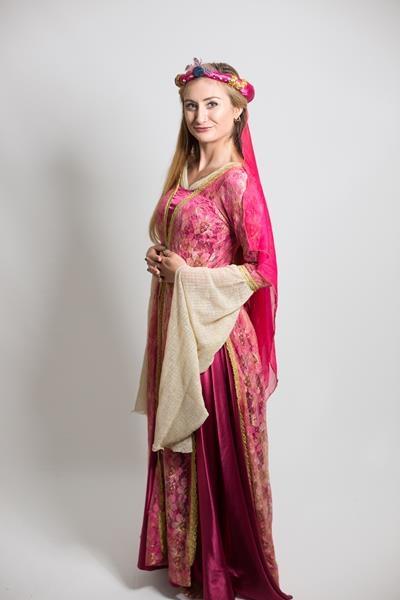 pembe-osmanlı-kadın-kostum