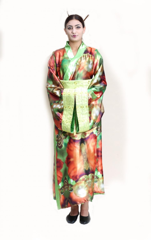 yeşil-çiçekli-kadın-japon-kostumu