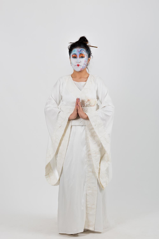 zen-beyaz-japon-kadın-kostumu