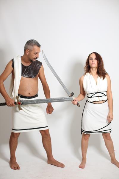 beyaz-roma kadın kostum-tasarım