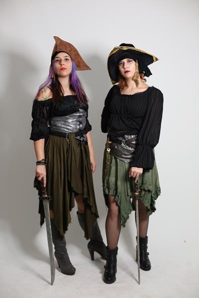 Yetişkin Kadın Korsan Kostümü