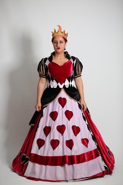 kupa-kralicesi-alis-kostumu