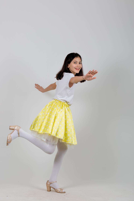 grease-pembe-dans-kostumu